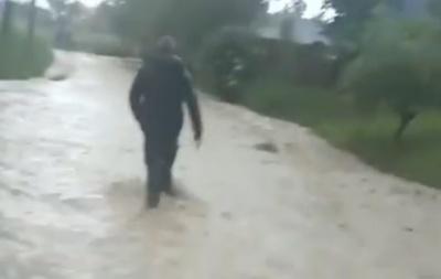Негода на Буковині: у селах затоплені вулиці та подвір'я – відео