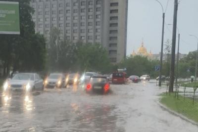 Злива підтопила Чернівці і риба з гельмінтами у дитсадках. Головні новини Буковини за 24 травня