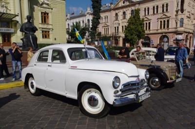 Фестиваль ретро-авто, велодень і барахолка в ратуші: перелік заходів у Чернівцях на сьогодні