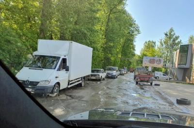 Бешлей розповів, коли у Чернівцях відремонтують найгірші дороги