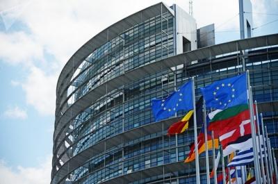 У Євросоюзі сьогодні 21 країна обирає представників до Європарламенту