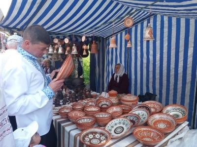 Гуцульські страви та майстер-клас з ткацтва: у Путилі відбувається «Полонинська ватра» - фото