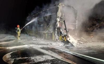 У Польщі вщент згорів автобус Київ-Прага, близько 70 українців евакуювали