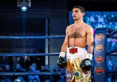 Український чемпіон світу з боксу отримає гонорар за бій в криптовалюті