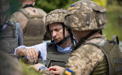 Зеленський відвідав передові позиції сил ООС на Луганщині