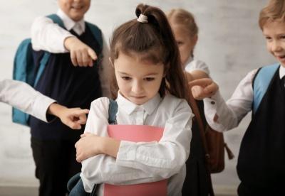Не повідомила в поліцію про булінг: на Буковині оштрафували директорку школи
