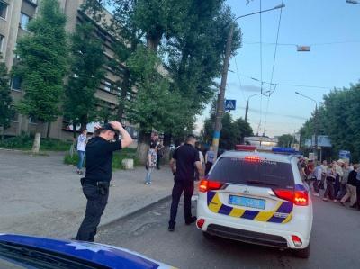 Пікетувальники розблокували рух транспорту на вулиці Головній