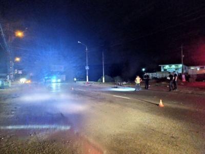 У Чернівцях авто зіткнулось із мотоциклом: одна особа загинула, ще 5 травмовані