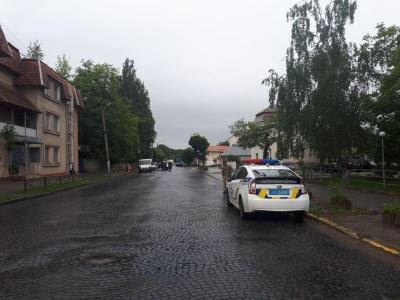 У Чернівцях на Заводській відновили рух транспорту, вибухівки не знайдено