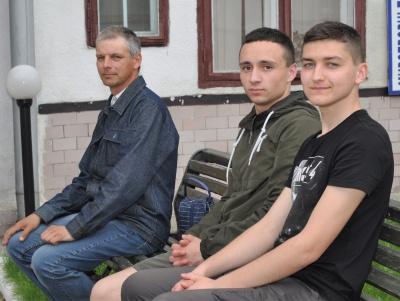 У Чернівцях до навчальних центрів відправили чергову групу кандидатів у контрактники ЗСУ