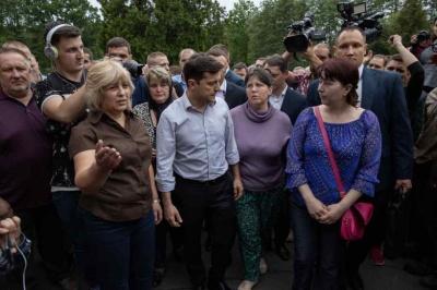 """""""Люди померли, а вам погано?"""": Зеленський встряв у суперечку з журналісткою"""