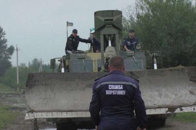 Паводок на Буковині: у горах річка затопила дорогу