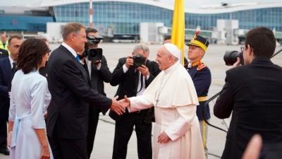 Папа Римський Франциск прибув до Румунії