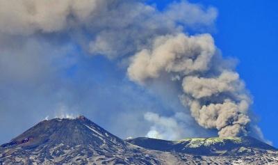 Прокинувся найвищий вулкан Європи