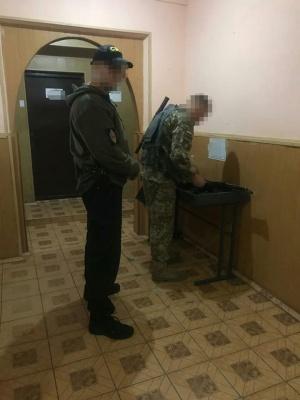 На Буковині затримали трьох прикордонників на хабарі 45 тис грн
