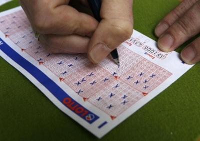 Американець 10 років грав у лотерею з однією комбінацією цифр і зірвав куш