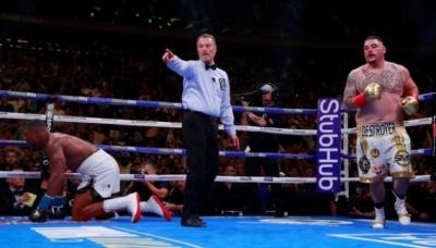 Ентоні Джошуа сенсаційно втратив чемпіонські пояси – відео