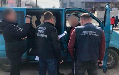 У Чернівцях засудили екс-викладача військової кафедри, який отримав хабар 1500$