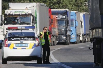 У Чернівцях заборонили рух великогабарного транспорту