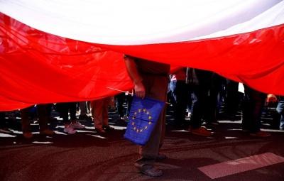 Польща хоче обережно зблизитися з Росією, але не ціною України