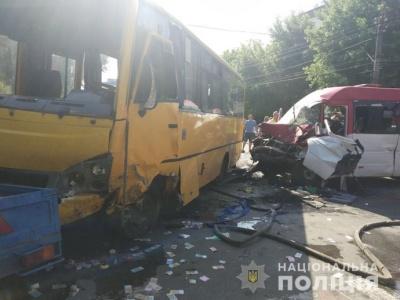 На Київщині зіткнулися дві маршрутки. Постраждали 26 осіб, троє – у реанімації