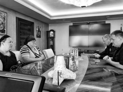 Аваков та Князєв зустрілися з родиною вбитого хлопчика