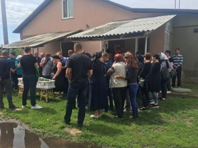 На Київщині прощаються із вбитим 5-річним хлопчиком – фото