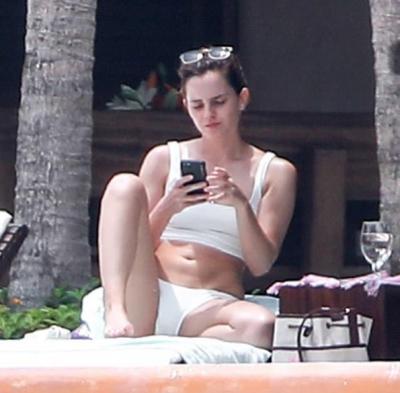 """Герміона виросла: у мережі показали фігуру зірки """"Гаррі Поттера"""" в купальнику"""