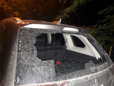 У Чернівцях невідомі побили вікна автівок активіста партії Порошенка