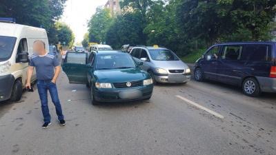 У Чернівцях легковик збив вагітну жінку, яка перебігала дорогу