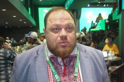 У Зеленського обіцяють криміналізувати кнопкодавство у Раді