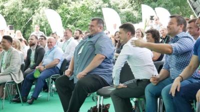 Партія Зеленського планує висунути кандидатів на всіх округах