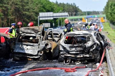 У Польщі зіткнулися відразу 7 авто. Загинули 6 осіб
