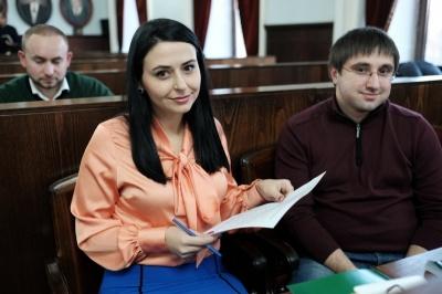 Аліменти і пенсія: про декларації найбідніших депутатів міської ради у Чернівцях