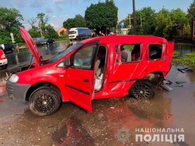 Чотирьох постраждалих у ДТП у Чернівцях доправили до реанімації: поліція повідомили подробиці аварії