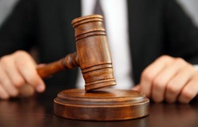 У Чернівцях чоловік чинив опір поліцейському: як його покарали