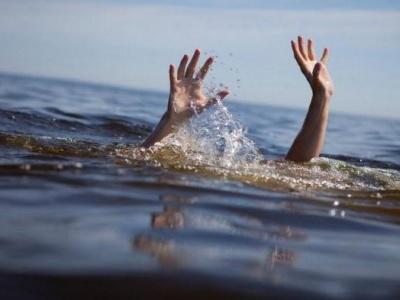 Запізно витягли на берег: деталі загибелі чоловіка в озері на Буковині