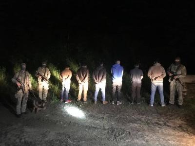 На Буковині прикордонники затримали двох поляків, 6 громадян Індії та одного українця