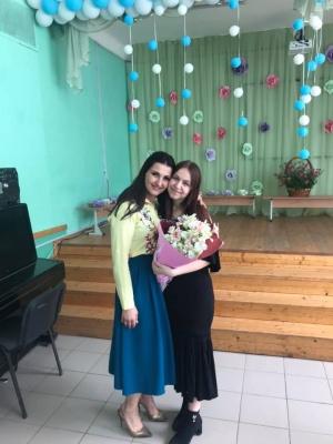 У Чернівцях випускниця отримала сукню від відомої української зірки