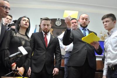 Хто з депутатів на виліт: у Чернівецькій міськраді назвали злісних прогульників