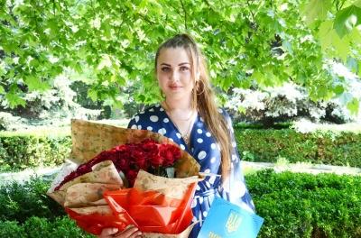 Працівниця реанімації стала кращою медсестрою Буковини: дівчина виграла путівку до Венеції