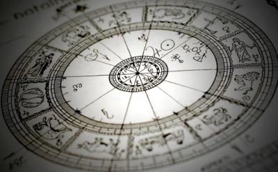 Астролог назвав знаки Зодіаку, які ніколи не стануть багатими
