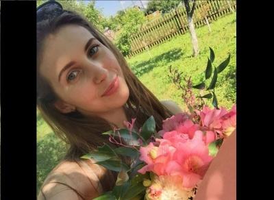 Померла дівчина, яка сильно постраждала в жахливій ДТП на Буковині