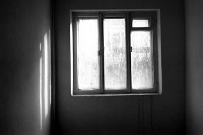 Підліток викинувся з вікна 5-го поверху через погані результати ЗНО