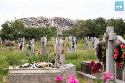 Вбивча спека в Чернівцях: на Годилівському кладовищі померла пенсіонерка