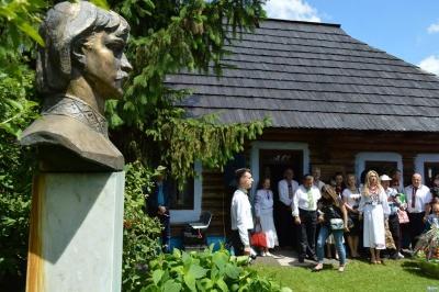 Фестиваль «В гости к Ивану»: как на Буковине празднуют день рождения Миколайчука - фото