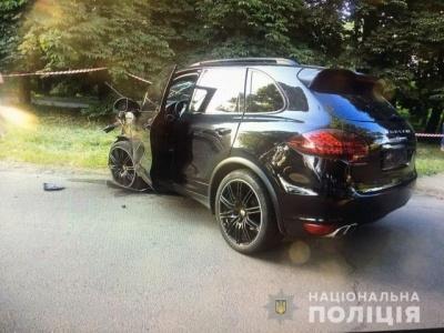 ДТП в Ужгороді: 21-річна водійка Porsche Cayenne виїхала на зустрічну смугу і протаранила Ford