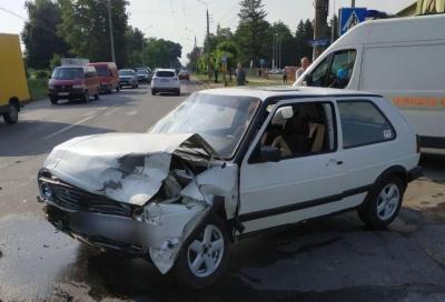 ДТП на вулиці Руській: двох осіб забрала «швидка» – фото