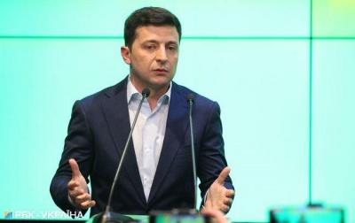 Зеленський відповів на петицію: не може звільнити Авакова