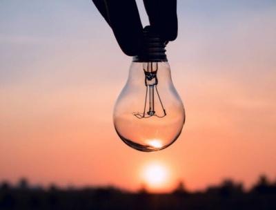 Через спеку в Україні можуть вимикати світло